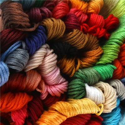 100 x 8 Metres of Embroidery Floss Skeins
