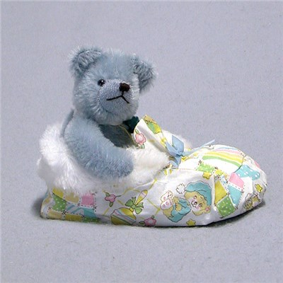 Sleeping in a Shoe - Baby Boy Bear by HERMANN - Spielwaren (Limited Edition of 25 Pieces)