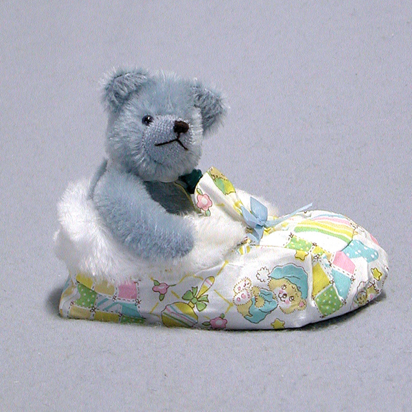 Sleeping in a Shoe - Baby Boy Bear by HERMANN - Spielwaren (Limited Edition of 25 Pieces) No Colour