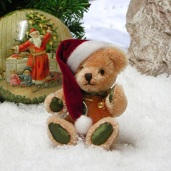 A Christmas Surprise Christmas Santa Bear Classic Teddy Bill Bear by HERMANN - Spielwaren (Limited Edition of 100 Pieces) No Colour
