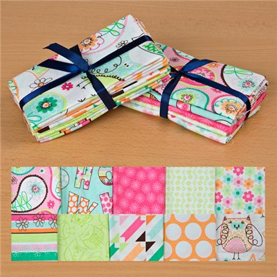 Birdwood White and Birdwood Pink 100 Percent Cotton Fat Quarters