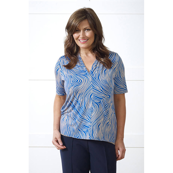 Lavitta Linear Circle Print Top 27in Blue