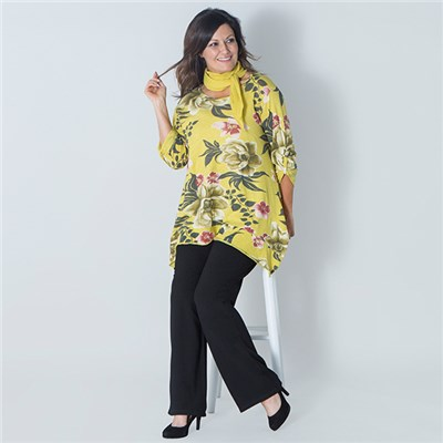 Maysa Floral Sharkbite Top with Scarf