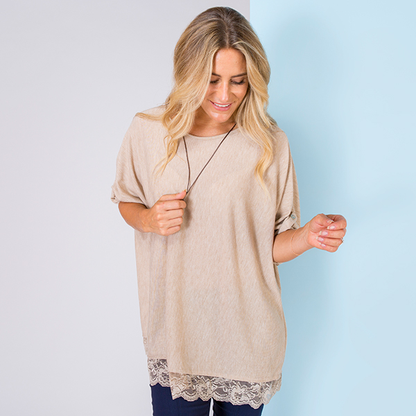 Sugar Crisp Lace Trim Top with Necklace Stone