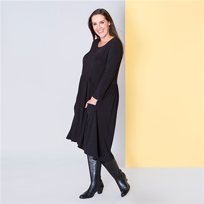 Nicole Long Sleeve Smock Pocket Dress