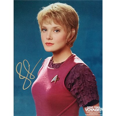 Jennifer Lien Personally Signed Colour Photo