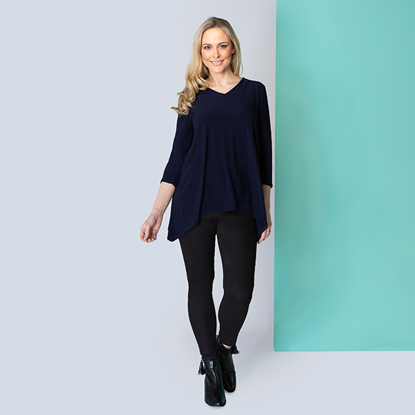 Nicole V-Neck Dip Side Top Navy