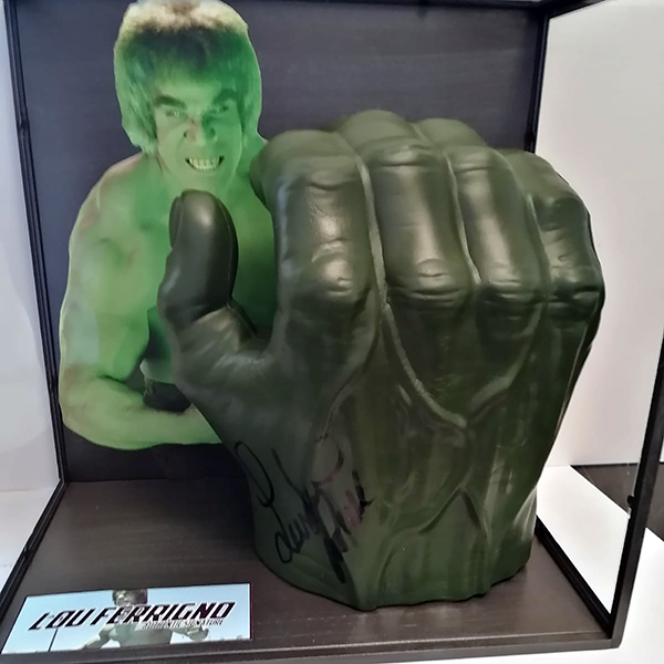 Hulk Framed Hand Personally Signed by Original Hulk Lou Ferrigno No Colour